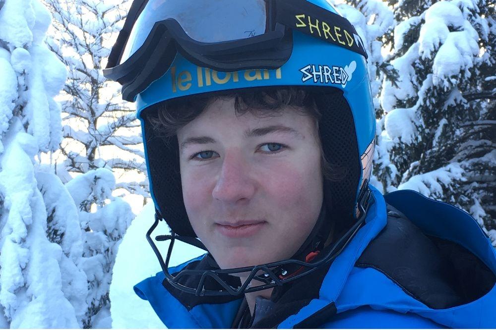 Erwan 43 en slalom sur la Coupe de Noël